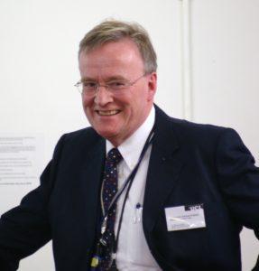 Профессор Гордон Стюарт