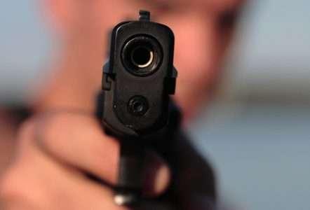 Почему у врачей шанс убить Вас в 1 200 раз больше, чем у людей с пистолетом
