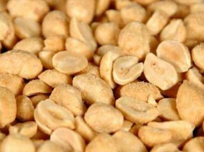 Жареный арахис способствует появлению прыщей?