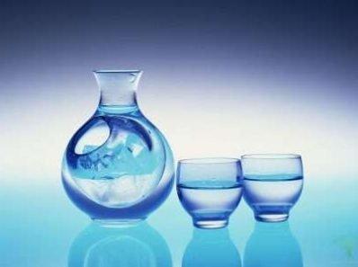 Почему я против дистиллированной воды в качестве единственного источника жидкости?