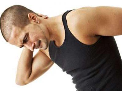 По каким причинам может болеть спина?