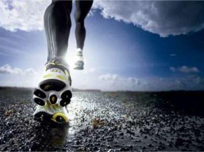 Кроссовки могут отрицательно влиять на суставы нижних конечностей