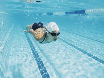 Вновь подтверждена опасность приема пищи перед плаванием