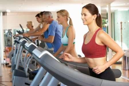 Сочетание тренировок с отягощением и упражнений на выносливость помогает поддерживать здоровье сердца