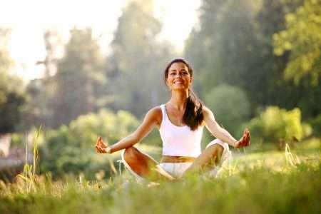 Йога повышает настроение