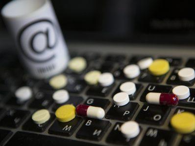Лекарства. Проверено на людях. 1 и 2 часть