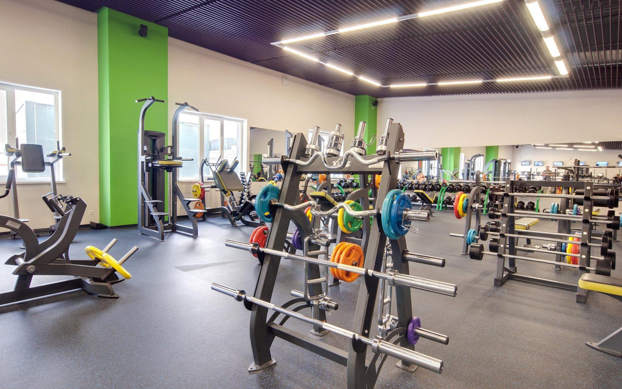 Болит спина? Что эффективно: индивидуальные упражнения или универсальная программа упражнений?