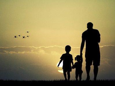 Отвергая отца