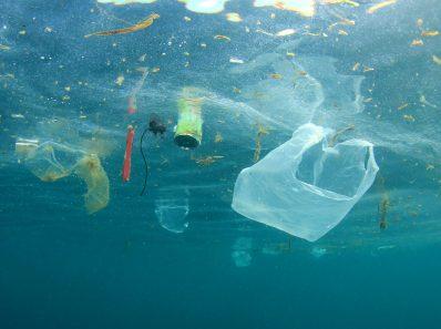 Микропластик на дне океана в 25 раз больше, чем мы думали