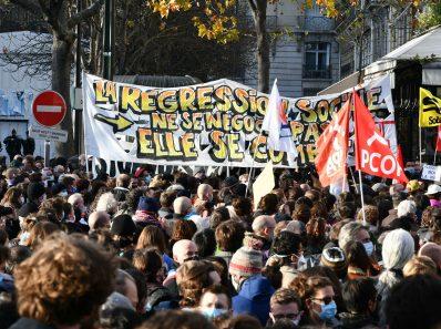 Разворачивается протест врачей и адвокатов по всему миру