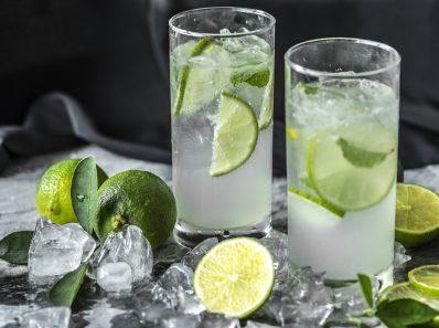 Подслащенные и искусственно подслащенные напитки вредны