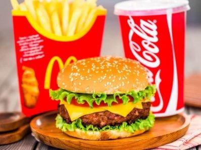 Что происходит с вашим телом, когда вы едите гамбургер из МакДональдс?
