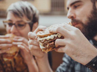 Что происходит с вашим телом, когда вы едите нездоровую пищу?
