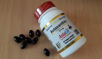 Показано, что астаксантин замедляет старение мозга