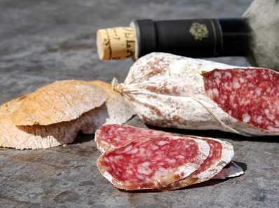 Обработанное мясо признано канцерогенным